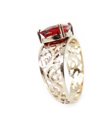 Garnet Baroque Gold Ring